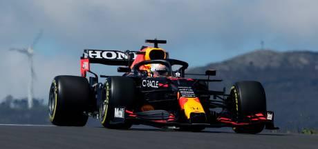 Verstappen tussen de Mercedessen in middagtraining, snelste tijd voor Hamilton