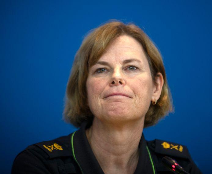 Politiechef Landelijke Eenheid Jannine van den Berg tijdens een persconferentie over de ontwikkelingen rond de aanhouding van Ridouan Taghi.