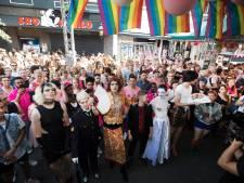 Drags stelen de show bij gaybar Thomtom: 'zo kan ik mezelf zijn'