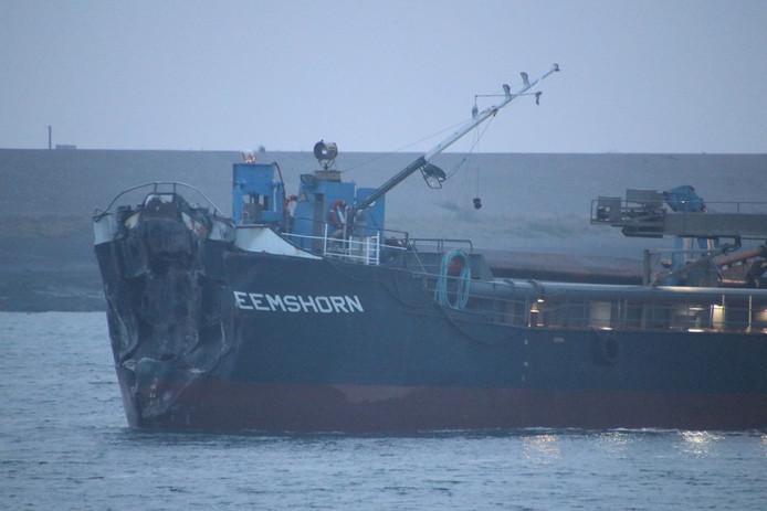 De schade aan het baggerschip is aanzienlijk.