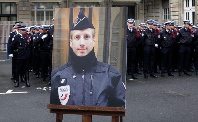 Agent Xavier Jugelé werd vermoord op de Champs-Élysées.