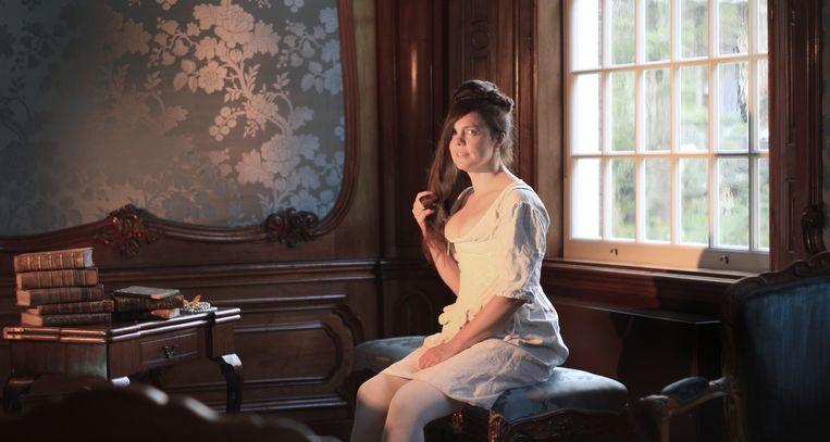 'In de 17de en 18de eeuw wisten zeker tien vrouwelijke toneelschrijvers door het glazen plafond te breken', zegt artistiek leider Imre Besanger van toneelgezelschap Theater Kwast. Beeld Marius Bruijn