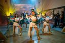 K3 tijdens de opnames van 'Dans van de Farao'.