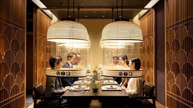 Dans ce restaurant japonais, les protections anti-Covid vous offrent une expérience gastronomique unique