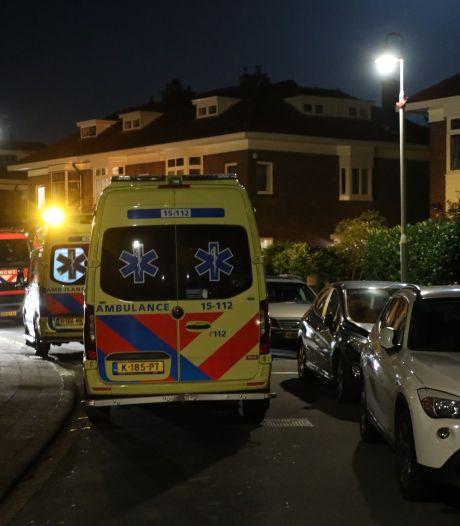 Gewonde bij overval op woning aan de van Hoeylaan, politie zoekt twee verdachten
