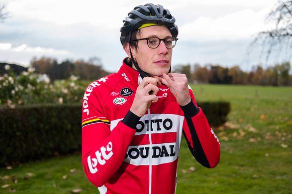 Stig Broeckx zit twee jaar na het ongeval weer op de fiets.