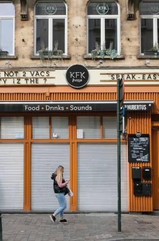 """""""Klanten enorm dankbaar, want zij hebben erger voorkomen"""": familie van Brusselse cafébaas (51) in shock na steekpartij over Covid Safe Ticket"""