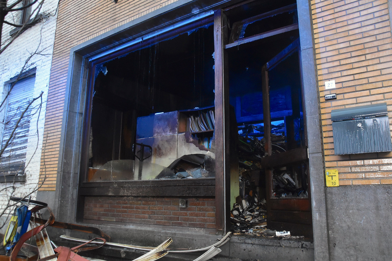Het vuur ontstond in de woning van Peter Caesens.