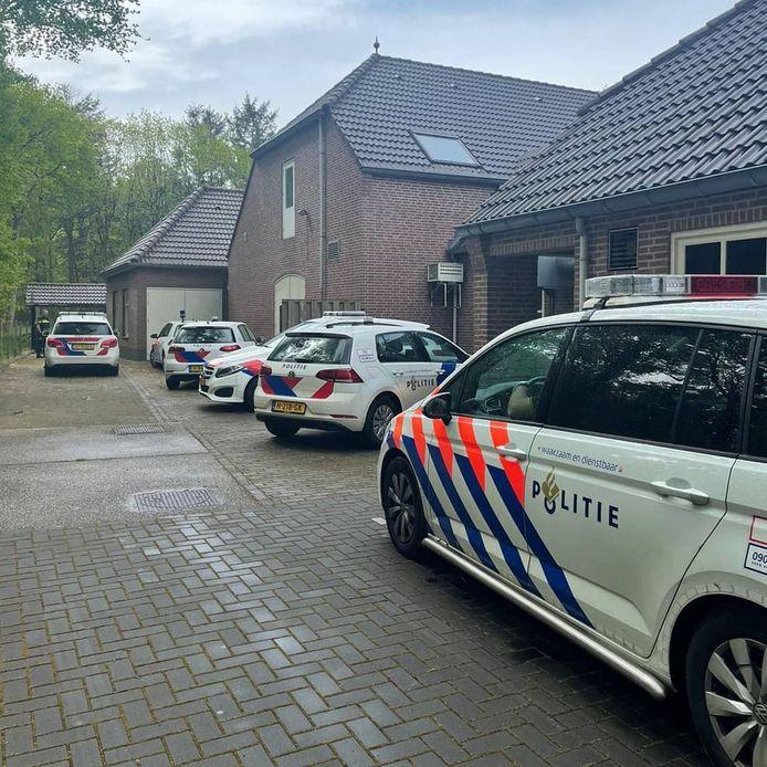 De politie nam zaterdag twee gestolen voertuigen in beslag.