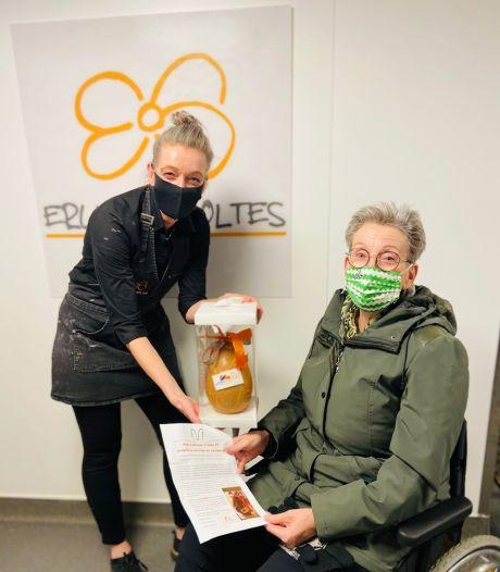 Jeanet heeft ALS en verkoopt paaseieren voor onderzoek: 'Ze moeten nu wel snel pilletje voor me uitvinden'