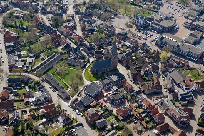 De eerste etappe in Nederland voert van Borne naar Goor. Kerken bieden lopers onderdak.