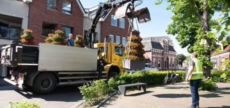 Bloembakken terug in centrum van Wierden en Enter