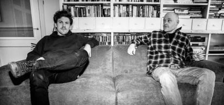 Sticks gaat met De Nieuwe Oost en zijn hiphoplabel talenten helpen: 'Ik word een soort oom die af en toe mee rapt'