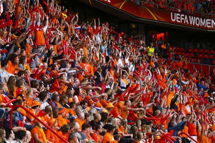 De Oranjegekte tijdens de halve finale in de Grolsch Veste