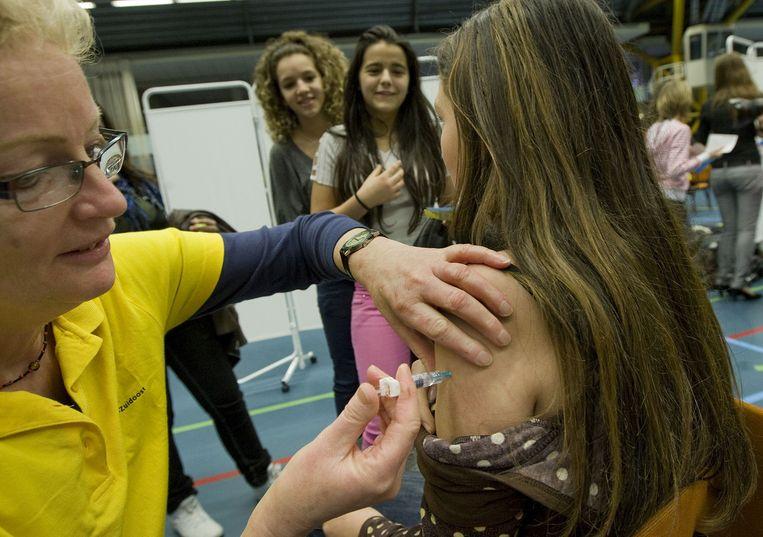 Marina Conyn, hoofd vaccinaties van het RIVM, noemt de lage opkomst teleurstellend en zorgwekkend. Foto ANP/Ed Oudenaarden Beeld