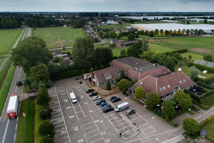 Nederland,  Zuilichem, op de plek van Partycentrum Suylighem aan de Maaswaalweg zou sloop en in plaats van het centrum een polendorp komen.