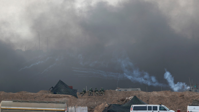Des tirs de gaz en bordure de Gaza