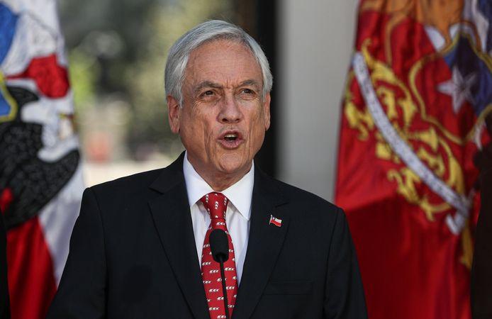 President Sebastián Piñera tijdens zijn verklaring vanuit het presidentiële paleis in Santiago.