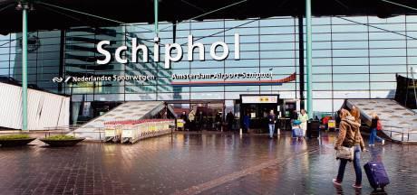 Verstekeling dood gevonden in vliegtuig op Schiphol