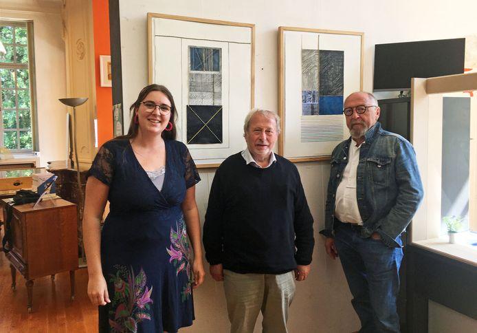 Zottegem: Bibliothecaris Sarah Vanroye, kunstenaar Arnold Hilderson en curator Guido De Vos.