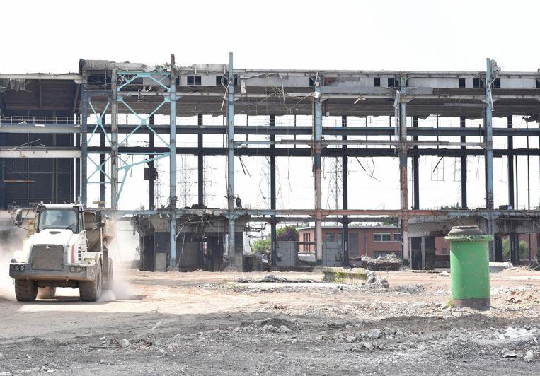 Op de site van de voormalige elektriciteitscentrale komt nu een groot batterijpark.