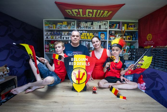 Björn Ramant deed al eens mee aan LEGO Masters en maakte nu een heus logo met LEGO.