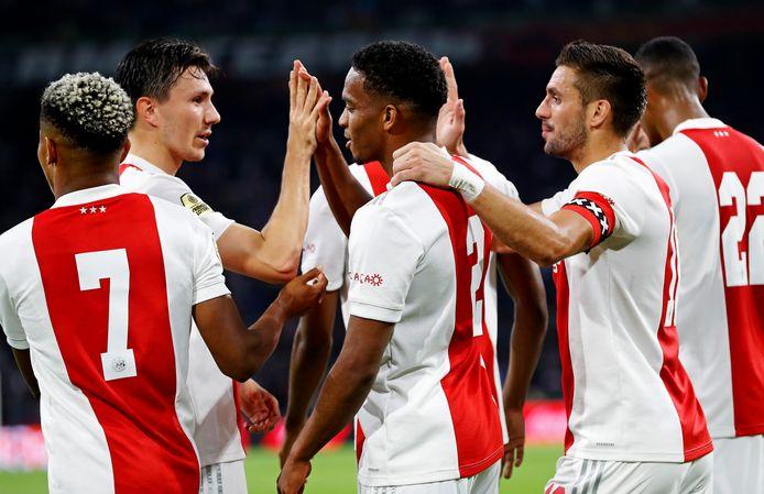 De spelers van Ajax deden dit weekend uitstekende zaken.
