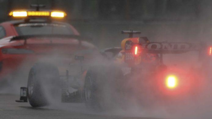 Max Verstappen remporte un Grand-Prix tronqué par la météo.