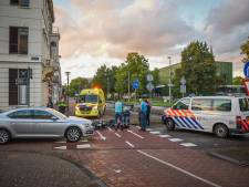 Scooterrijder gewond bij botsing met auto in Arnhem
