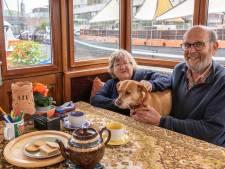 De Britse Tony (70) en Fred (76) waren van plan 3 dagen te blijven, nu wonen ze al 11 jaar in Amersfoort