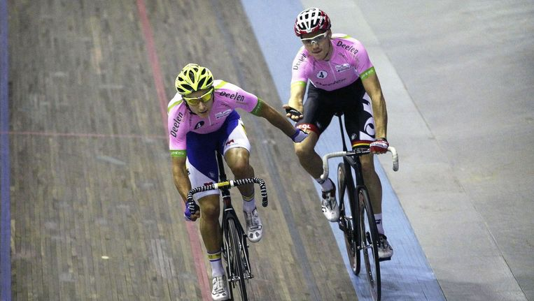 De Buyst en Ligthart rijden volgend seizoen samen bij Lotto-Soudal, maar vinden elkaar nu al blindelings. Beeld PHOTO_NEWS