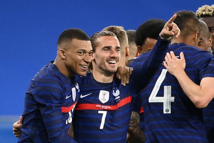 Voor de meeste regiotrainers is Frankrijk, met hier de sterren Kylian Mbappé (links) en Antoine Griezmann, dé favoriet om het EK te winnen.