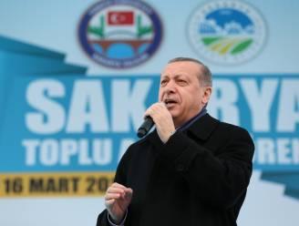 """Erdogan ziet """"kruistocht"""" tegen islam in arrest Europees Hof over hoofddoekverbod"""