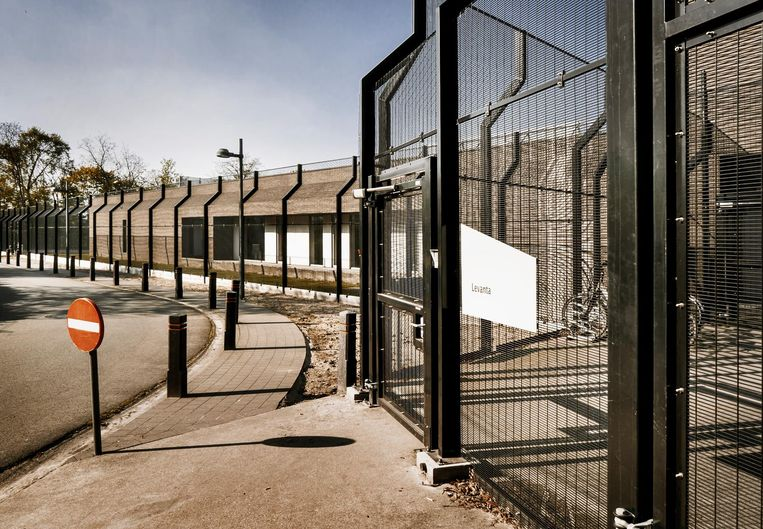 Levanta, de streng beveiligde forensische afdeling in Sint Jan-Baptist in Zelzate, blijkt het nu ook niet te nauw te nemen met de afzonderingen van patiënten.