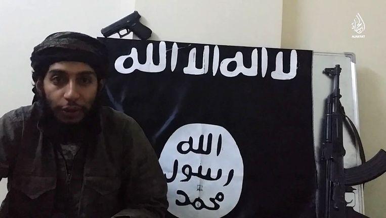 Suspected Paris attacks mastermind Abdelhamid Abaaoud, also known by his nom de guerre Abu Umar al-Baljiki. Beeld AFP