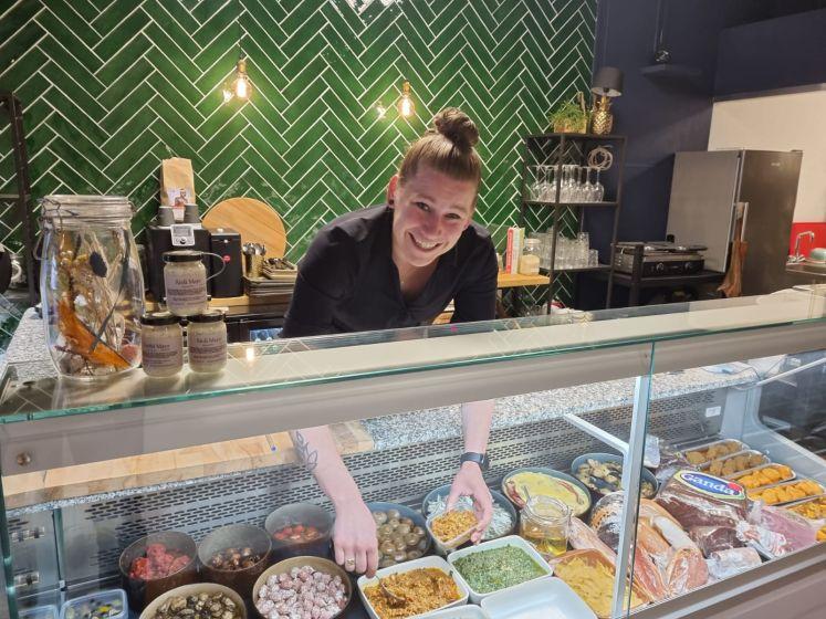 Poeliersdochter Inge van Druenen staat met delicatessen en maaltijden op eigen benen in Oss