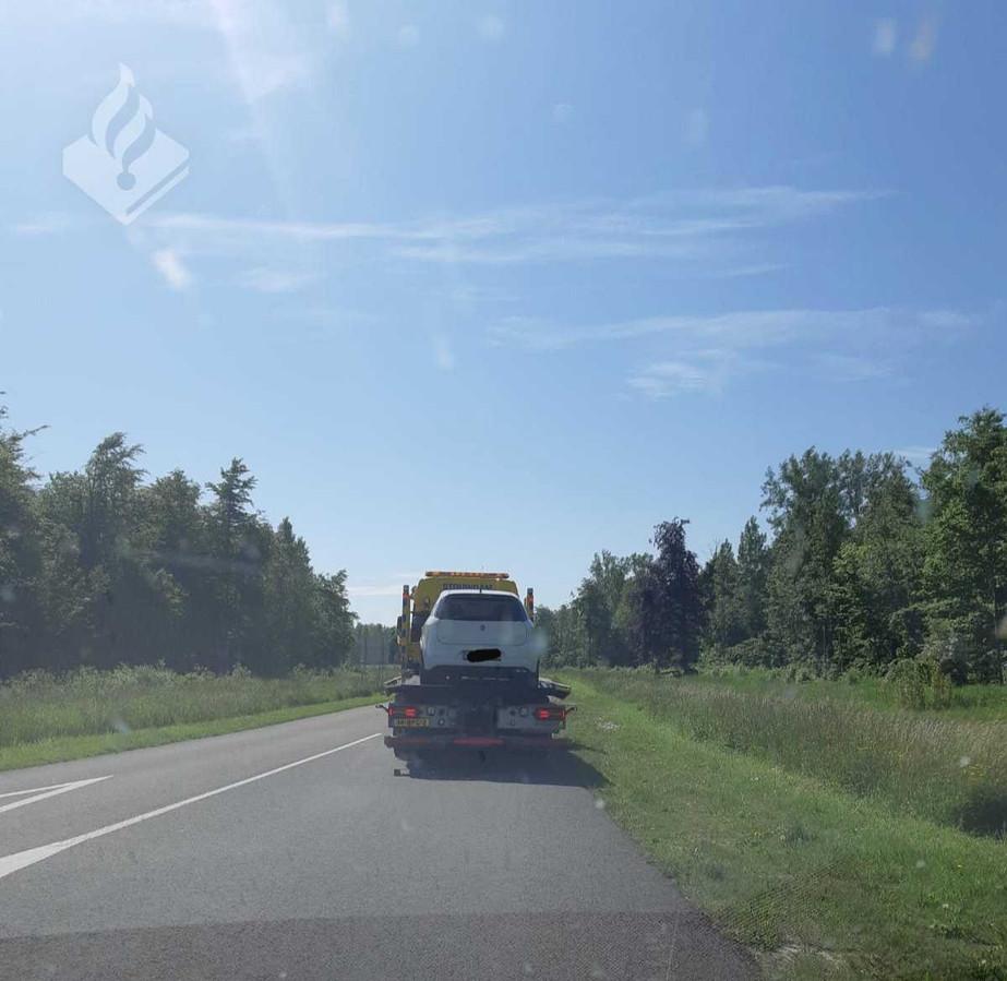 De auto van de bestuurder werd in beslag genomen.