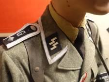 Champagne avec croix gammée, insignes SS... le décor particulier d'un bar à thème nazi au Japon