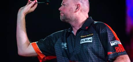 Van Barneveld emotioneel na toernooiwinst: 'Alles begint met zelfvertrouwen'