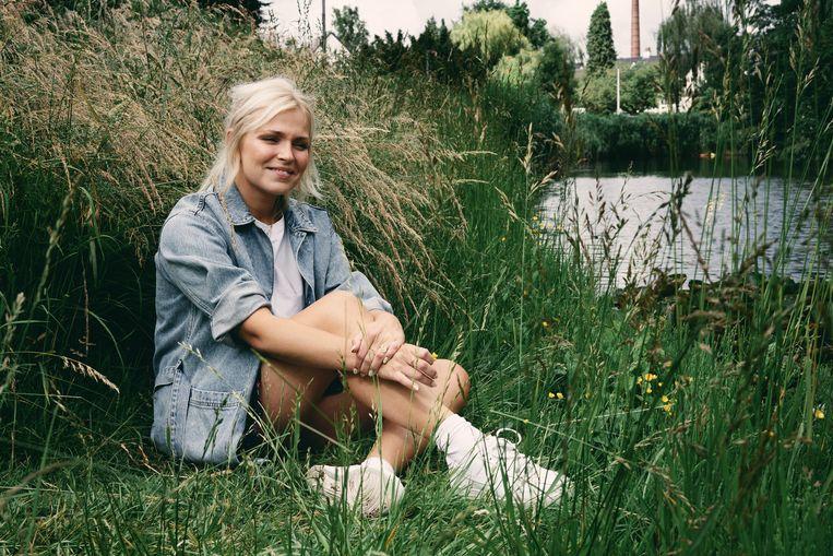 Julie Van den Steen: 'Het was niet mijn bedoeling om een rolmodel te worden. Maar laat mij voor al de meisjes maar de persoon zijn aan wie ik op mijn 16de zelf behoefte had.' Beeld Joris Casaer