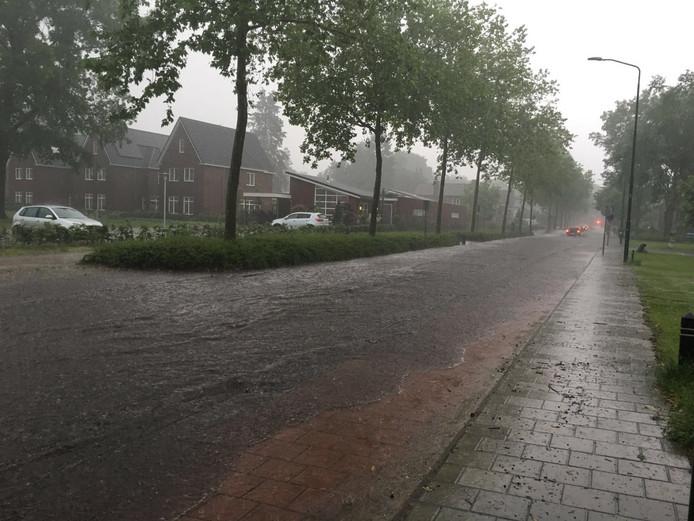 In Valkenswaard staat een straat blank.