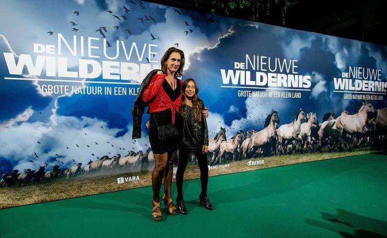 Actrice Monic Hendrickx met haar dochtertje. Beeld anp