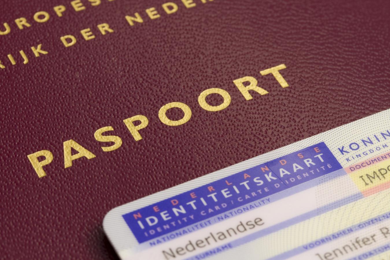 Nederlandse identiteitsbewijzen.