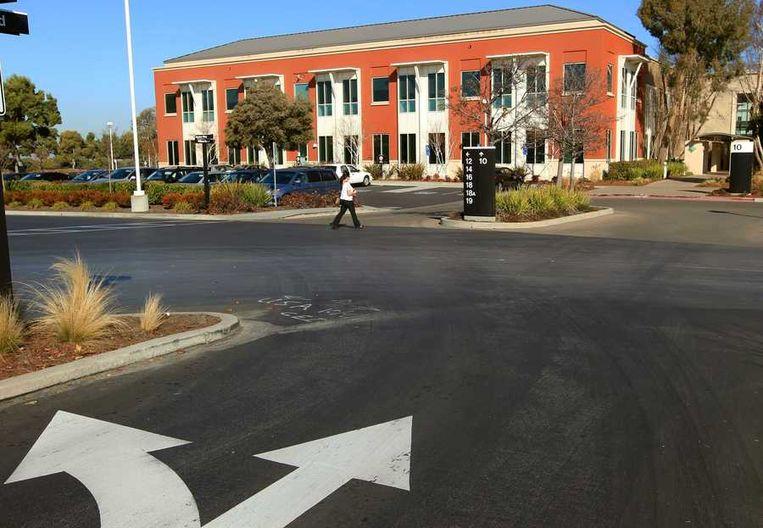 De oude campus van Sun Microsystems levert Facebook veel ruimte voor expansie: 3700 parkeerplaatsen en 330.000 vierkante meter aan kantoorruimte. Beeld reuters
