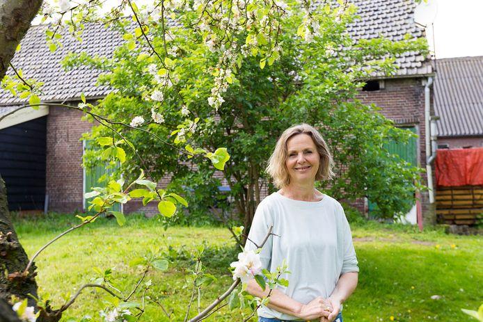 Meta Boer-Doelman woont nu in de boerderij waar haar oom en opa zijn opgepakt.