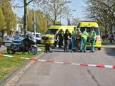 Motoragent raakt voetgangster tijdens achtervolging in Zevenbergen: beiden zwaargewond