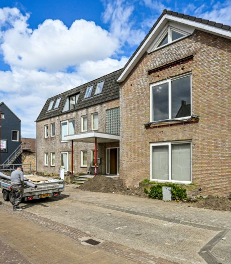 Vrees voor enorme parkeerdruk bij bouw appartementen Hoevense St. Janstraat
