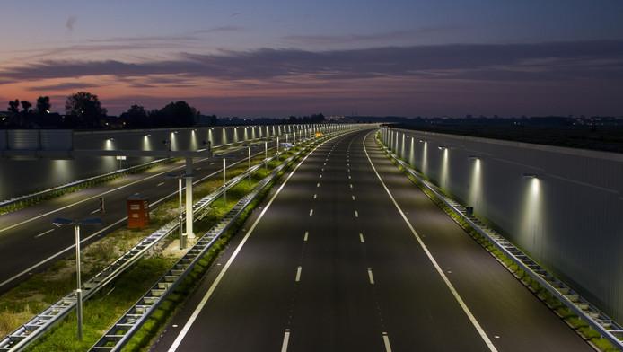 De maximumsnelheid op de nieuwe A4 mag geen 130 kilometer per uur zijn, vinden GroenLinks en Progressief Schiedam.