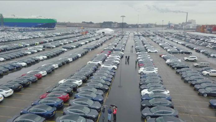 Vele duizenden Tesla Model 3's staan te wachten op hun nieuwe eigenaren
