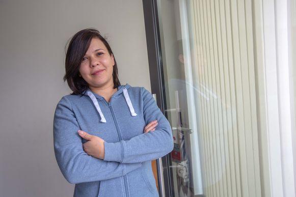 Tatiane Nogueira da Cruz nam een twintigtal geëvacueerde oudjes in huis
